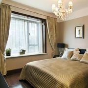 30平米暖色系窗帘装饰