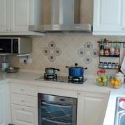 小户型厨房整体橱柜装饰