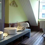 地中海风格别墅卫生间窗户装饰