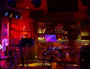大型暖色系欧式风格酒吧装修效果图