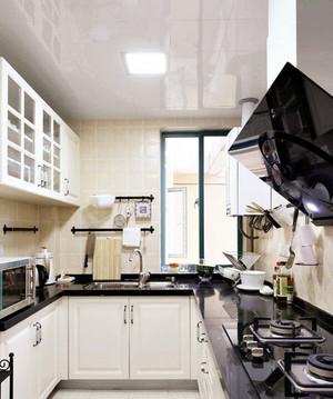 大型别墅欧式风格厨房吊顶装修效果图