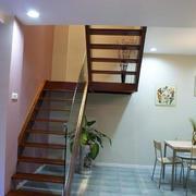 都市跃层住宅阁楼楼梯装修效果图