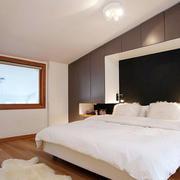 公寓卧室床头背景墙装饰