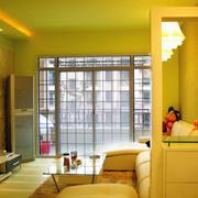 暖色调客厅造型图