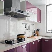 红色厨房橱柜