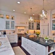 复式楼精致风格厨柜装饰