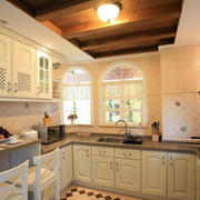 U型欧式精致风格厨柜装饰