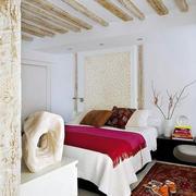 公寓卧室原木吊顶装饰