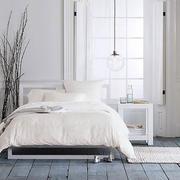 浅色白色系公寓卧室设计