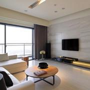 单身公寓大型窗户装饰