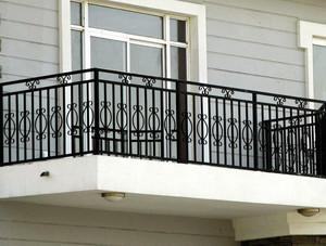 大型小区高层阳台现代简约风格护栏装修效果图