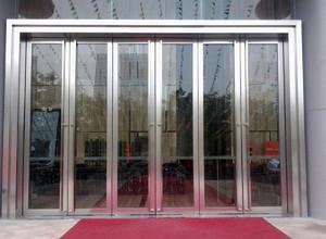 精致型不锈钢玻璃门效果图片