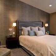 美式阁楼卧室背景墙装饰