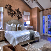 美式阁楼床头背景墙装饰