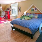 90平米美式简约风格斜顶阁楼卧室装修效果图