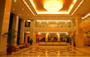 酒店大堂罗马柱装饰