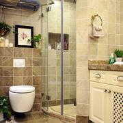 美式别墅浅色系卫生间装饰