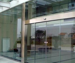 不锈钢玻璃门效果图片