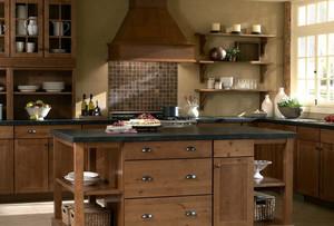 乡村小别墅厨房实木橱柜效果图片