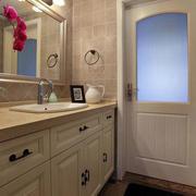 公寓卫生间简欧风格浴室柜装饰