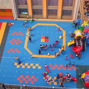 现代农村幼儿园庭院塑胶地垫装修效果图