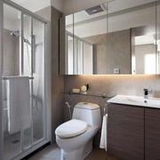 单身公寓卫生间马桶装饰