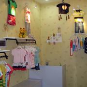 简约风格服装店背景墙装饰