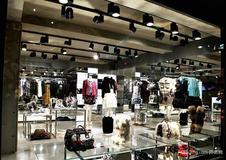 大户型都市女服装店装修效果图