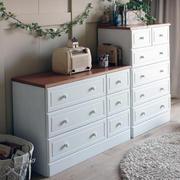 纯白色调储物柜设计