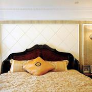 精致的床头背景墙图