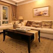 暖色调两房一厅图片