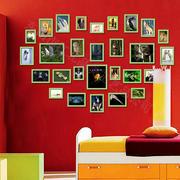 红色调照片墙装修