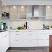 公寓简约化厨房设计