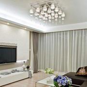 复式楼浅色调硅藻泥电视背景墙图片
