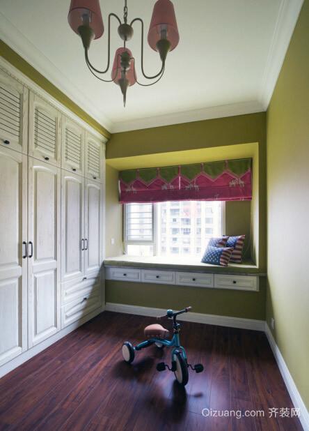 公寓温馨小型衣帽间装修效果图