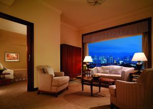 朴素温馨的酒店套房客厅设计装修图