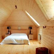 复式楼斜顶阁楼原木色卧室装修设计图