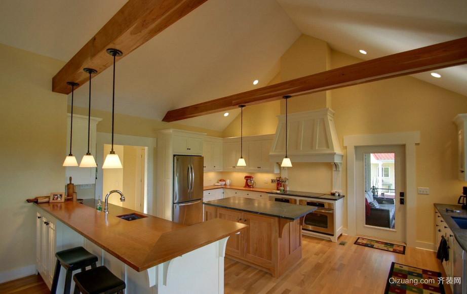 精致别墅斜顶阁楼大厨房装修设计效果图
