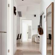 小户型白色走廊欣赏
