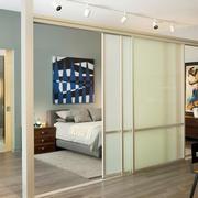 现代简约66平米卧室隔断推拉门效果图