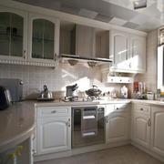 朴素米白色厨房厨柜