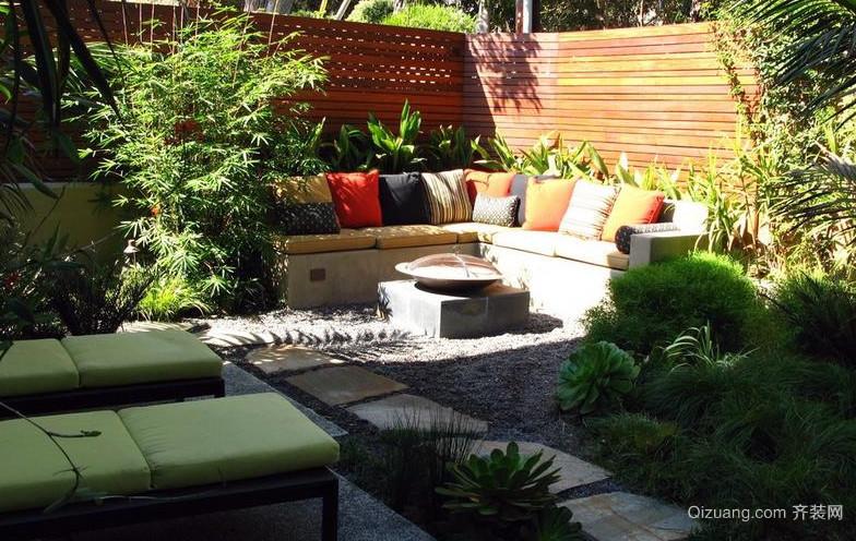 自然迷人别墅阳台花园设计效果图