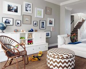 现代小户型复式楼客厅照片墙设计效果图