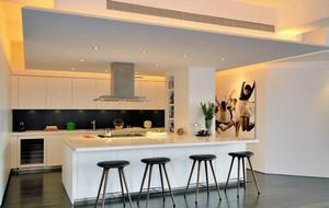 简单大型厨房吧台