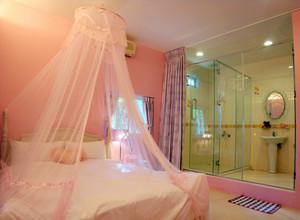 一见倾心:粉色简欧大卧室设计装修图