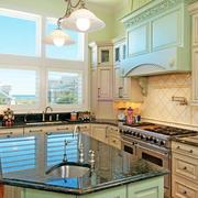 大户型舒适厨房橱柜