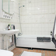 白色纯洁浴室展示