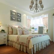 田园卧室床头柜展示