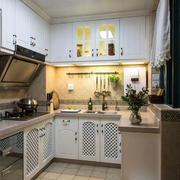 厨房白色简单装饰