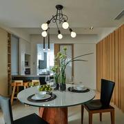 家装餐厅圆形餐桌